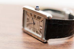 キャビンアテンダントが愛用する腕時計は?仕事やプライベートで使える時計をご紹介♪
