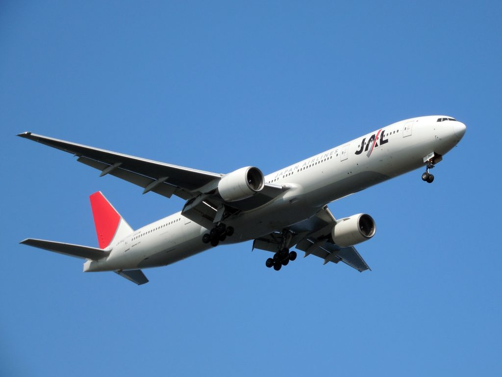 JALが導入するA350ってどんな機体?ANAが導入したA380との違いは?