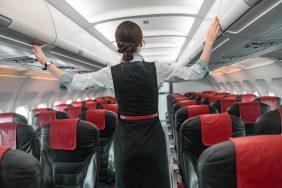 新型コロナウイルス感染拡大で医療サポートも。客室乗務員が受ける救急救命訓練とは?
